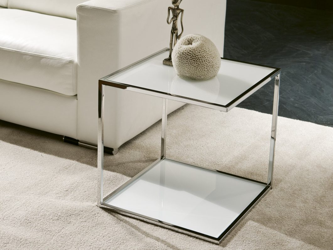 Mesas auxiliares de cristal for Mesas auxiliares de diseno