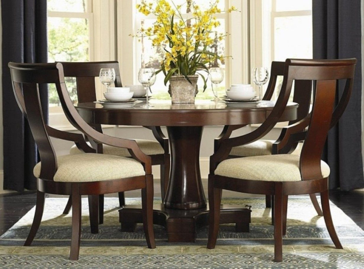 Mesas de comedor de madera for Mesa comedor clasica