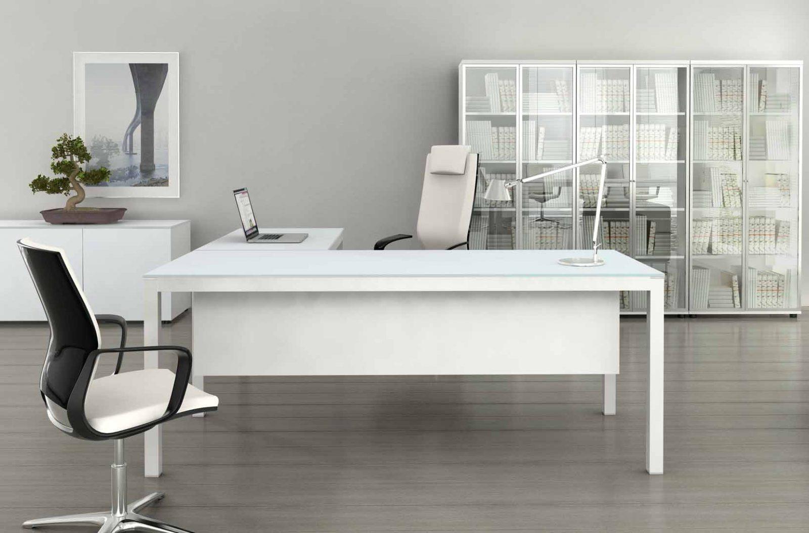 Mesas de escritorio de cristal for Mesas ovaladas de cristal