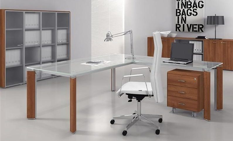 Mesa escritorio de cristal free mesa estudio y ordenador for Mesa cristal mapamundi