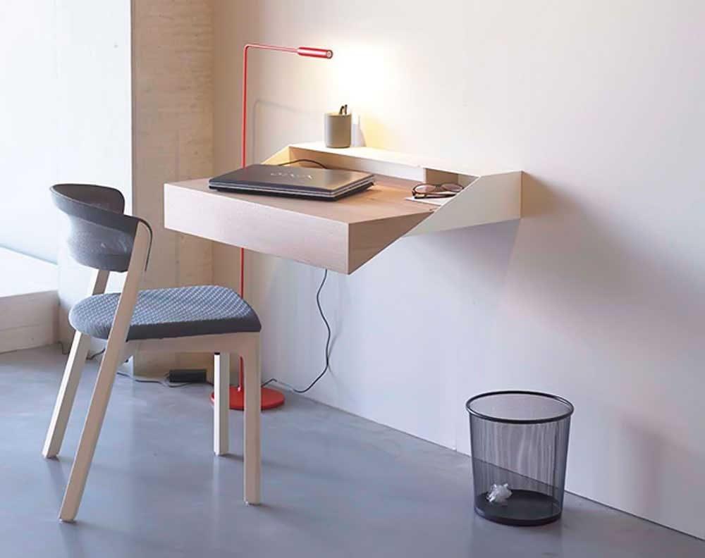 Mesa de estudio pequeña :: Imágenes y fotos