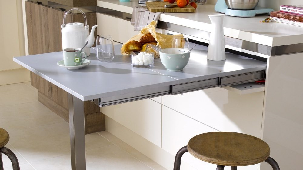 Mesa plegable en metal